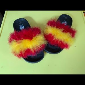 Furry slides well made size 8 new